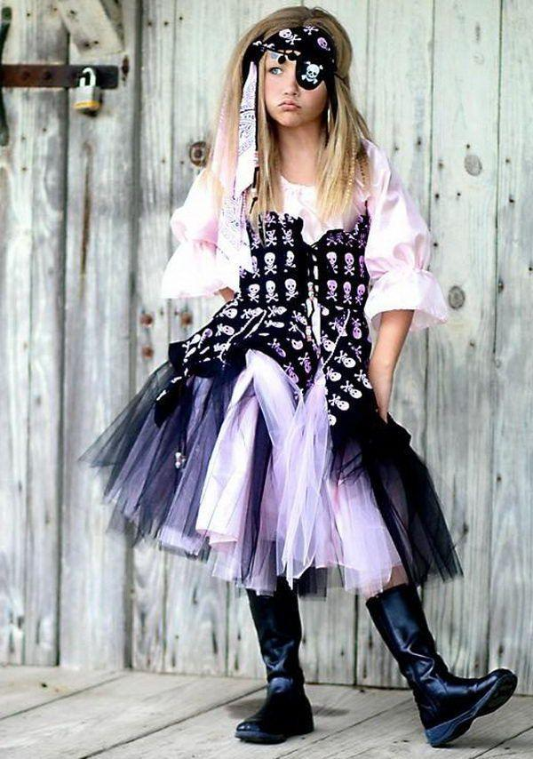 Pirate Halloween costume - for teen girls  sc 1 st  Founterior & Halloween Costume Ideas - For Kids and Adults | Founterior