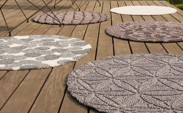 Round outdoor rugs - for coziness and comfort