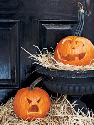 Scary halloween lanterns - made of old pumpkins