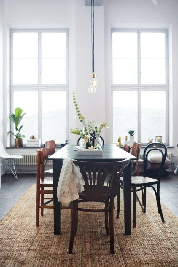 Simple modern dining room - with vintage accents and flower decorations