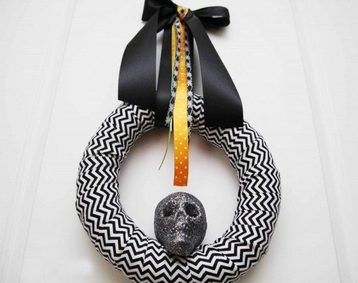 Skull Halloween wreath - in black and white colors