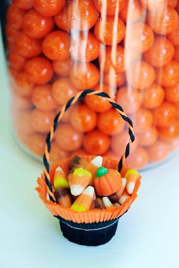 Small Halloween kids basket - full of chocolate sweets