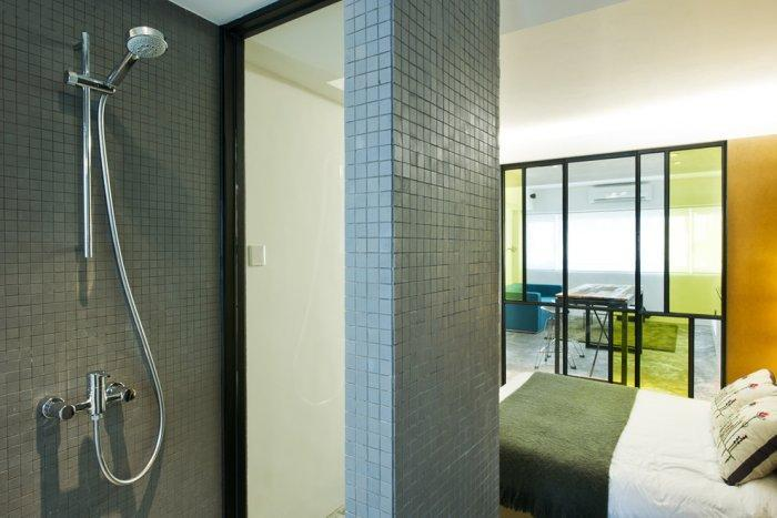 Small apartment bathroom - attached to the master bedroom