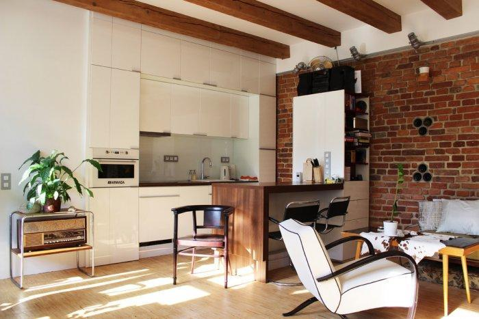 Small loft apartment - with brick wall and modern furniture