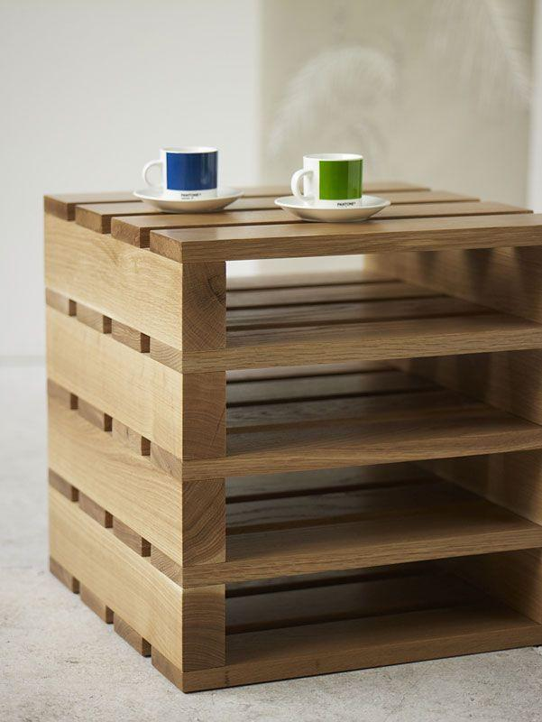 Stylish pallet table - can be used for coffee cups
