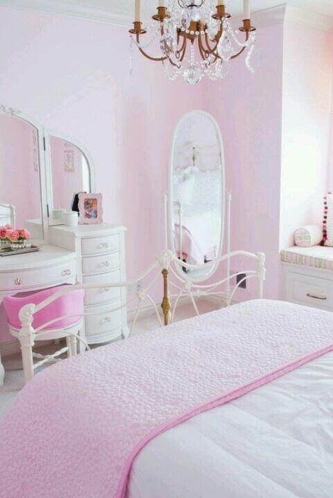 Pink bedroom interior design ideas with images founterior for Mirrors for teenage rooms