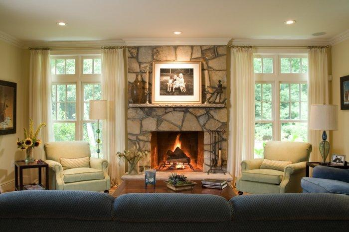 Traditional fireplace - in typical American home | Founterior