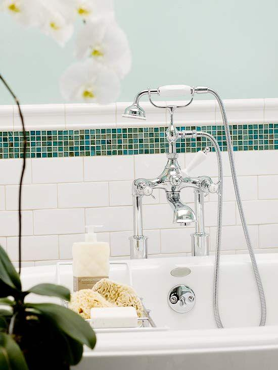 Traditional tile design - above the bathtub