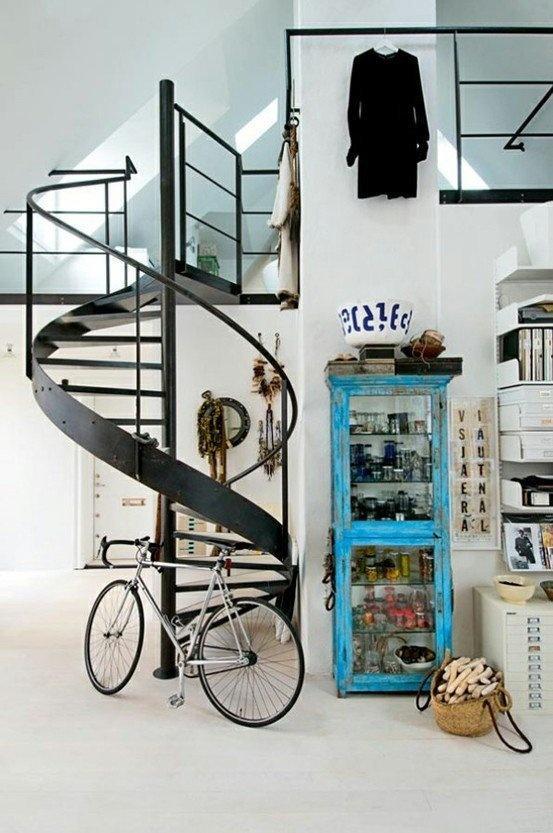Urban staircase decor - for a contemporary lifestyle