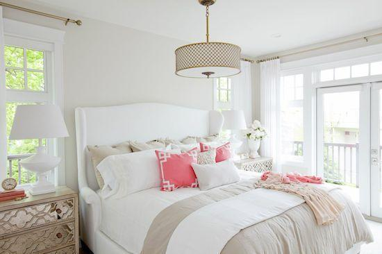 White bedroom - with beautiful modern pendant