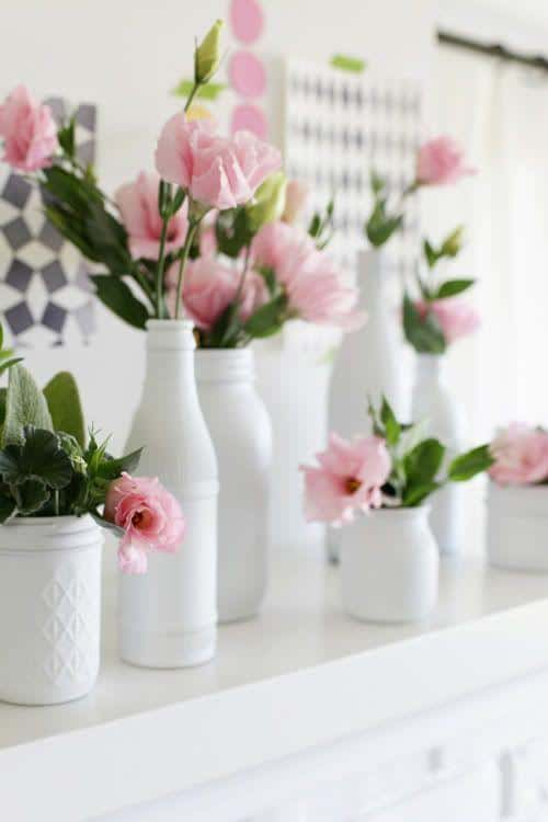 White ceramic vases - with beautiful pink flowers
