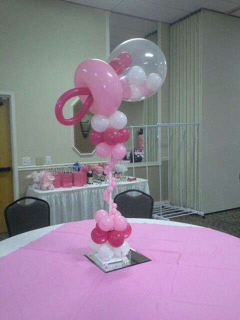 Baby's comforter made of balloons - for a shower party