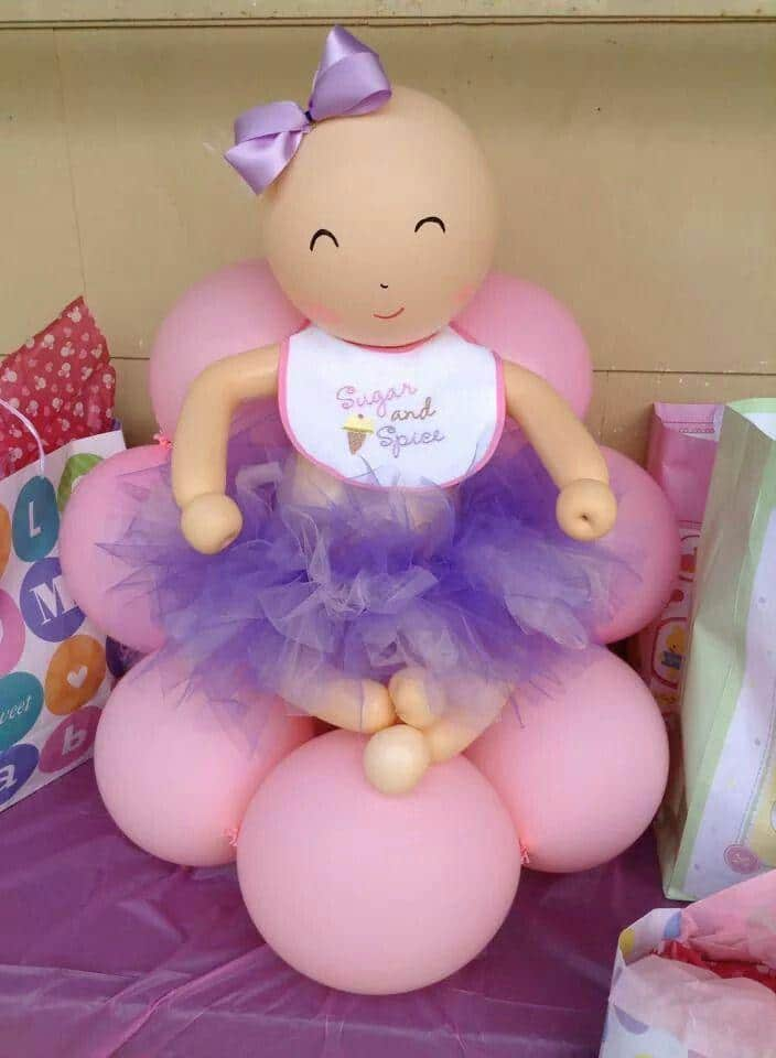 Girl made of balloons for baby shower founterior for Baby shower decoration ideas with balloons
