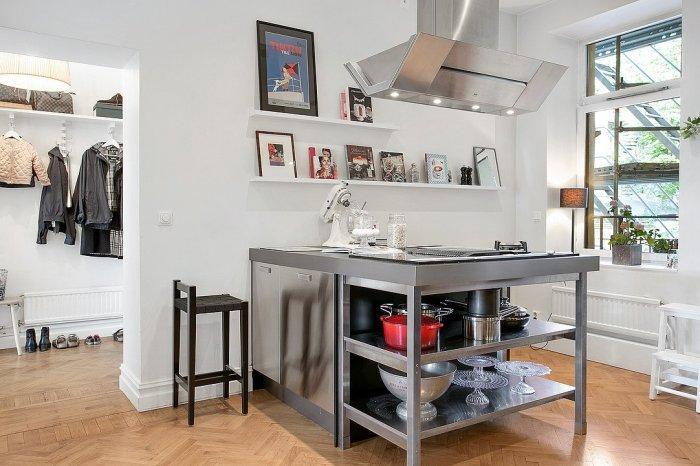 Small kitchen - in white Swedish style