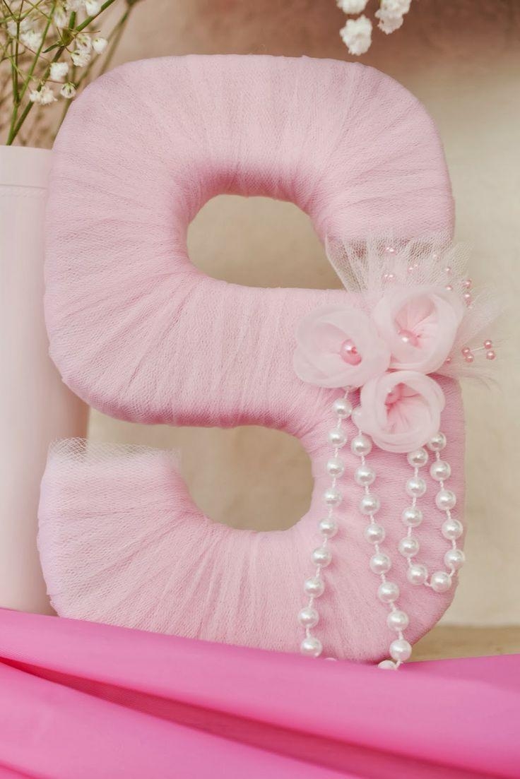 Baby shower decorative letter - it can be placed on a sofa