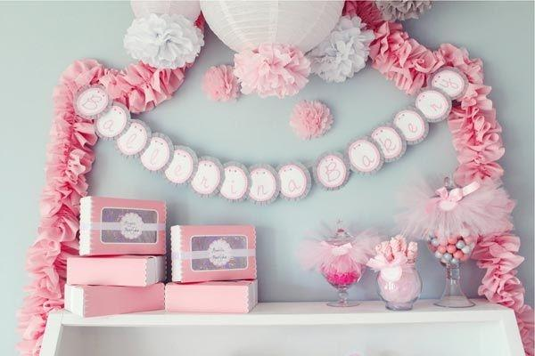 Baby shower garland - on the wall