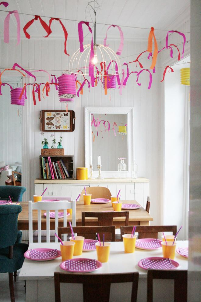 Baby shower garlands - made of purple and orange ribbons