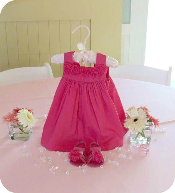 Baby shower table - with girl pink dress