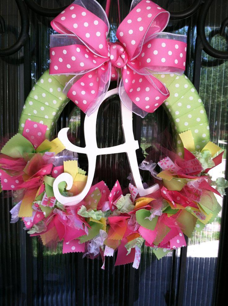 Baby shower wreath 16 - with white dotted ribbon