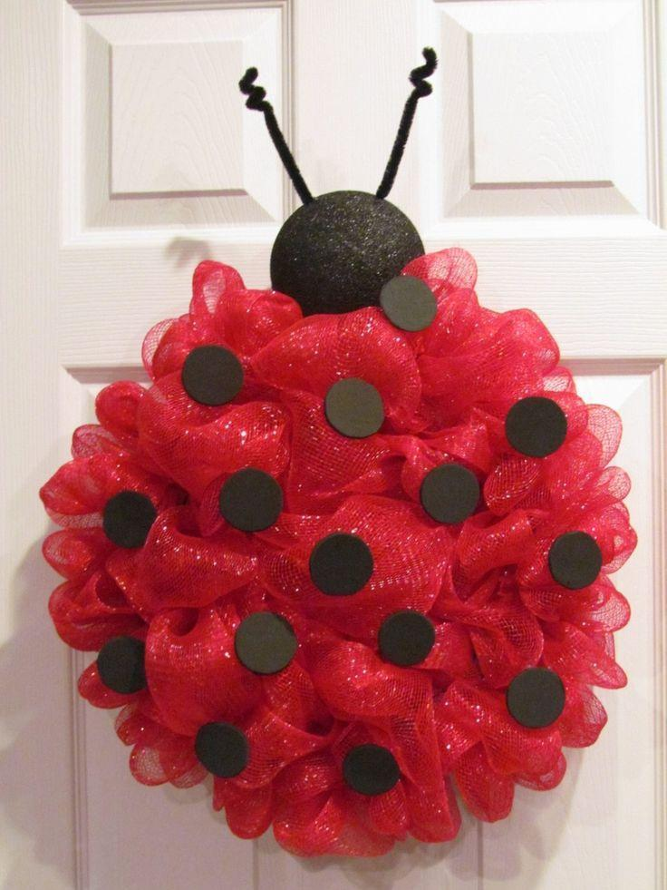 Baby shower wreath 9 - a ladybug
