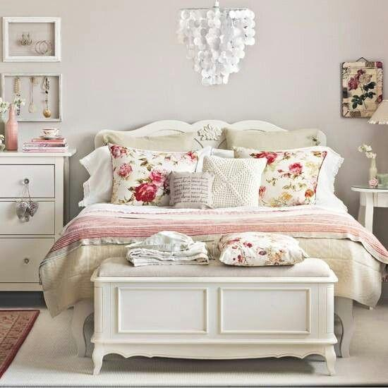 Bedroom chest foot bed 1 - in a traditional room