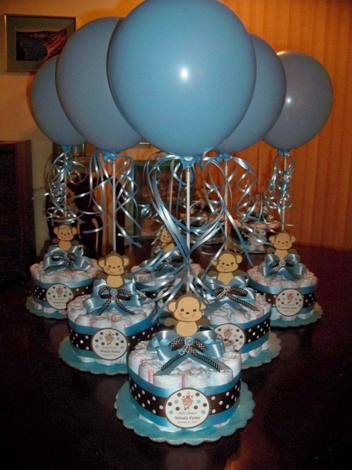 Boy baby shower 4 - blue ballons and cakes