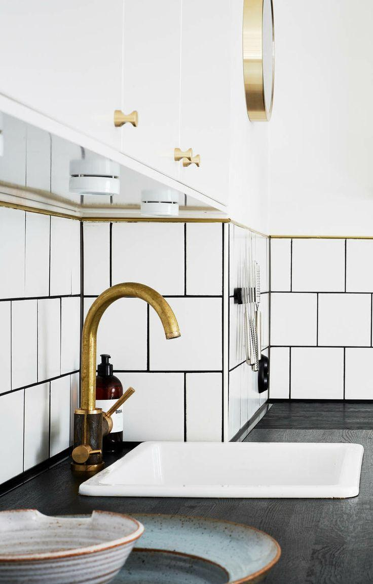 brass bathroom fixtures