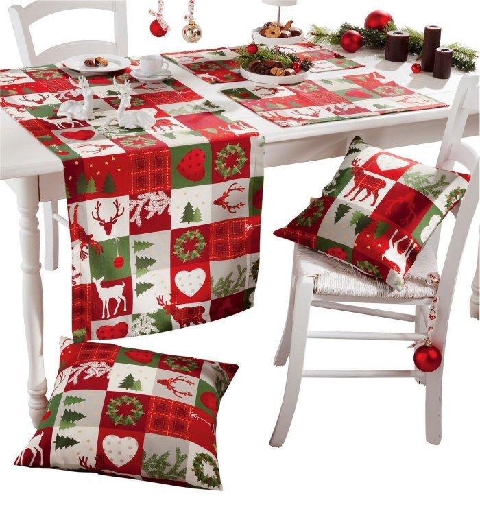 Christmas decoration idea 12 - themed table cloth