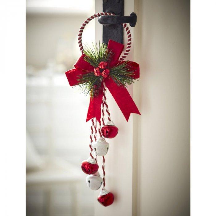 Christmas decoration idea 13 - door hanger