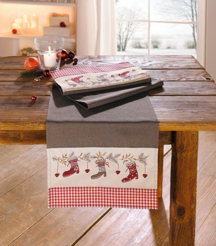 Christmas decoration idea 20 - grey table cloth