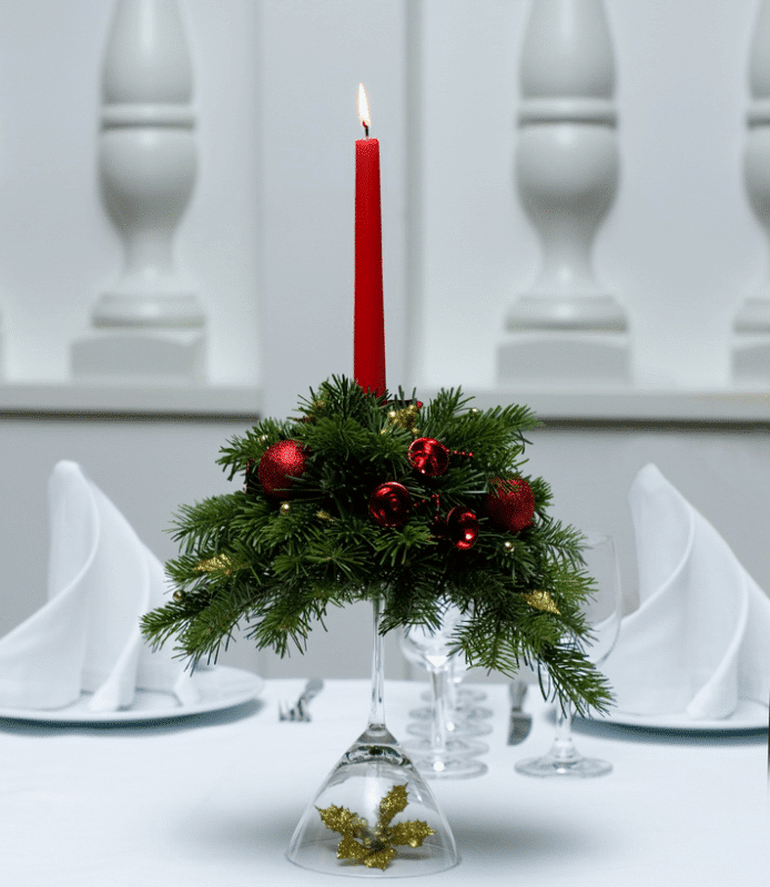 Christmas decoration idea 30 - red candle centerpiece