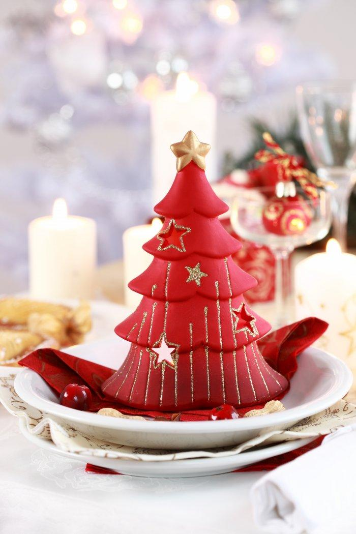 Christmas decoration idea 31 - red tree candle