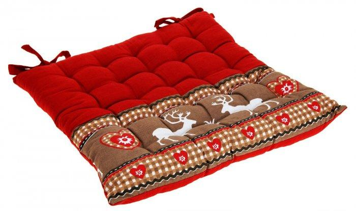 Christmas decoration idea 6 - red pillow