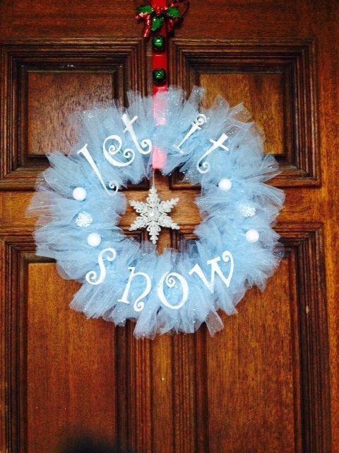 Christmas door wreath 19 - let it show writing