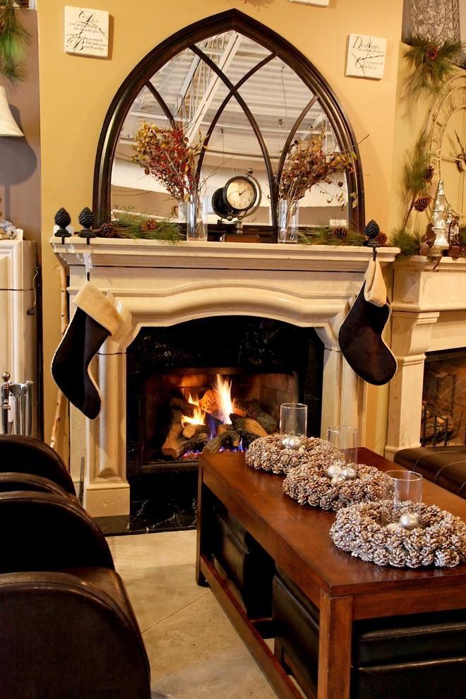 Christmas fireplace 21 - with mantel garland and decorative clock
