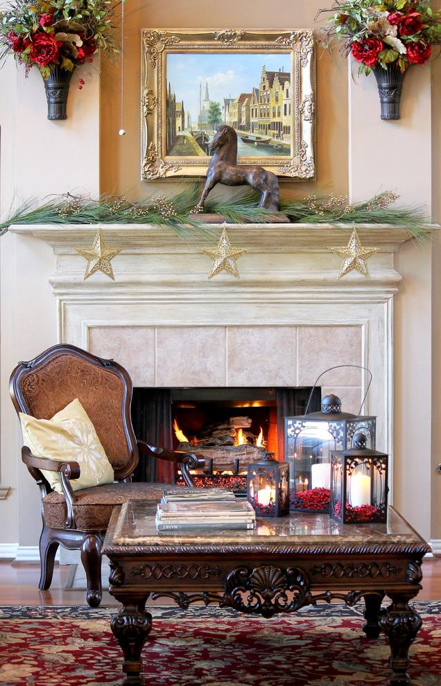 Christmas fireplace 22 - with garland and figurines