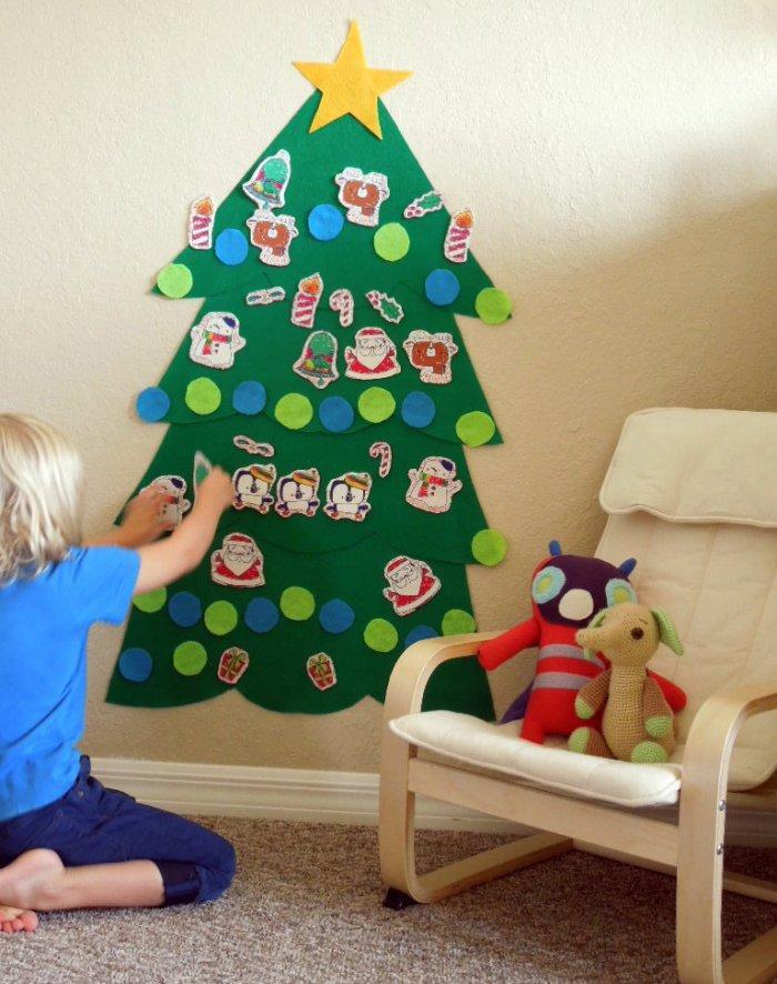 Christmas kids wall - with creative tree