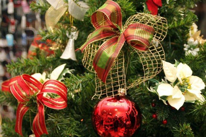 Christmas ornament - ribbon - in yellow and red