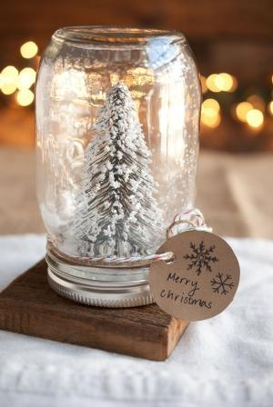 Christmas tree jar - with Merry X-mas message