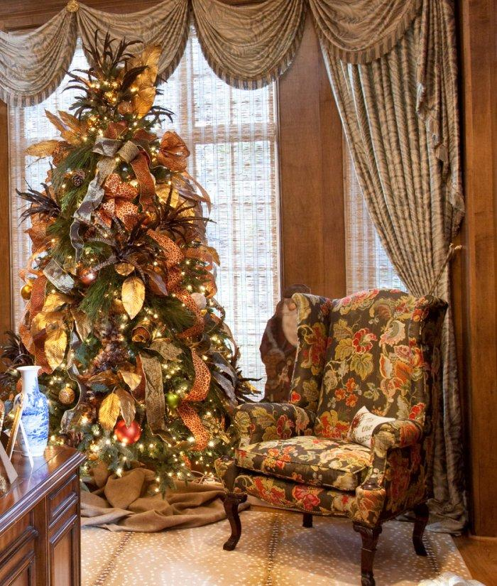 Christmas Tree With Ribbons And