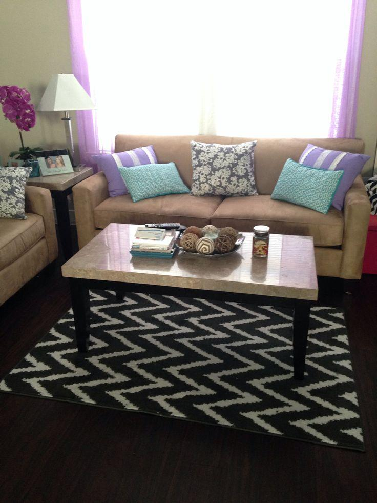 college living room 10 with modern black and white striped rug