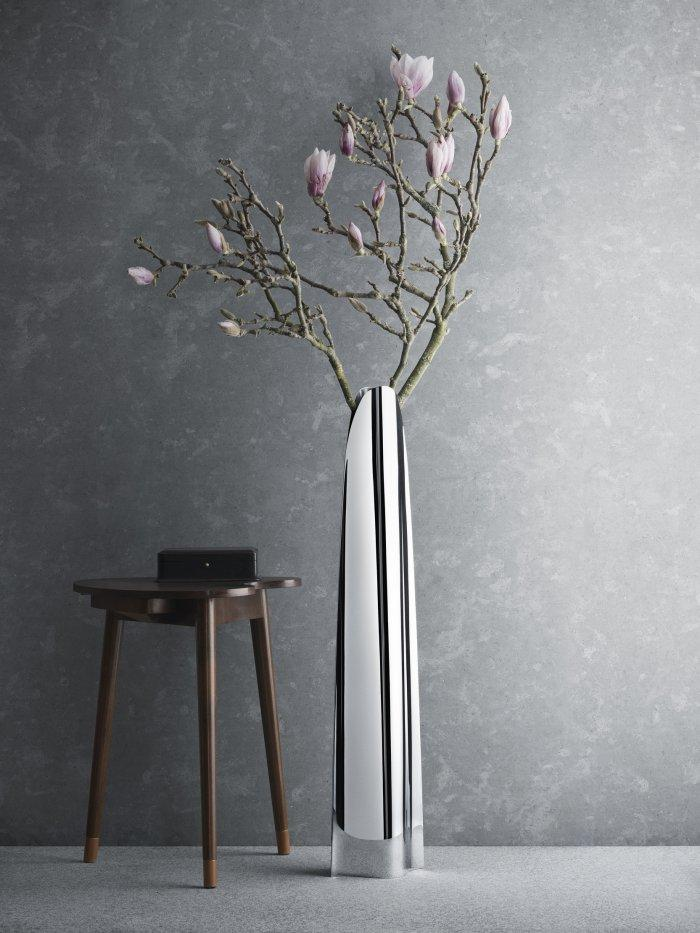 Contemporary floor vase 10 with white and black design