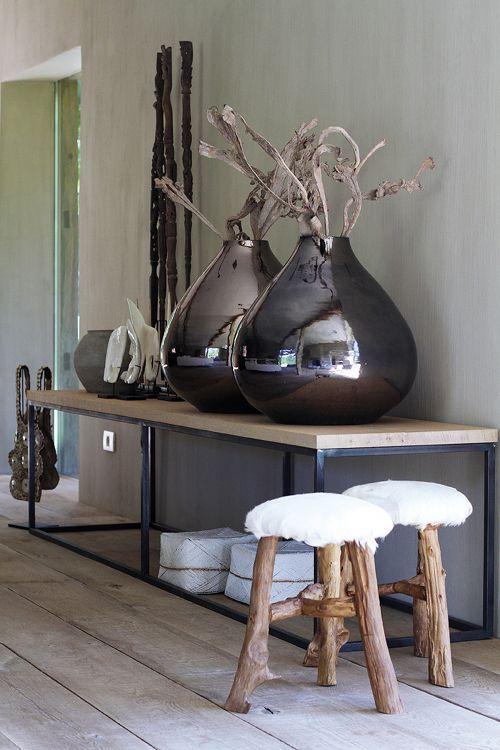 Contemporary floor vase 3 - made of black mirror