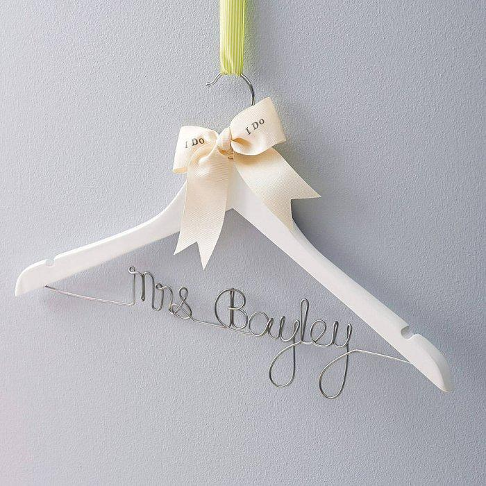 Creative home accessories for better living founterior for Creative clothes hangers