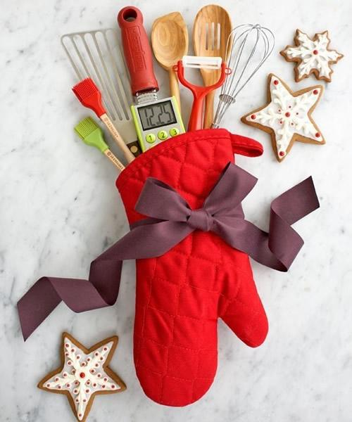 Creative kitchen accessory holder - a red hot pad
