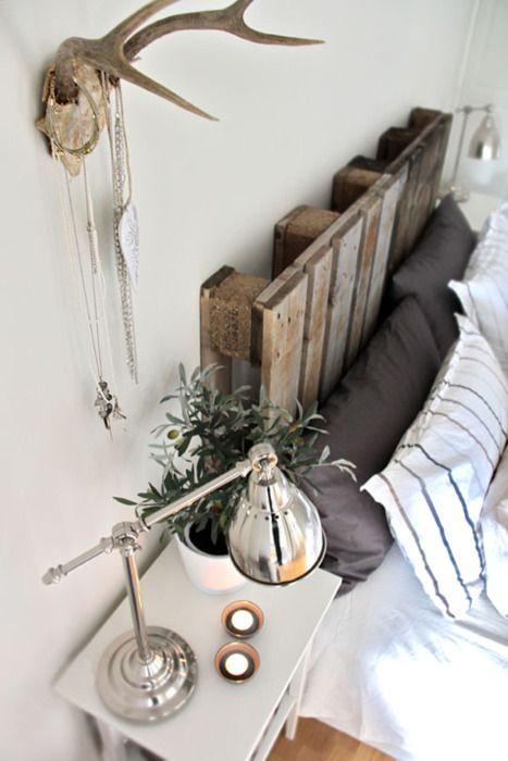 Creative pallet headboard - of a small creative DIY bed