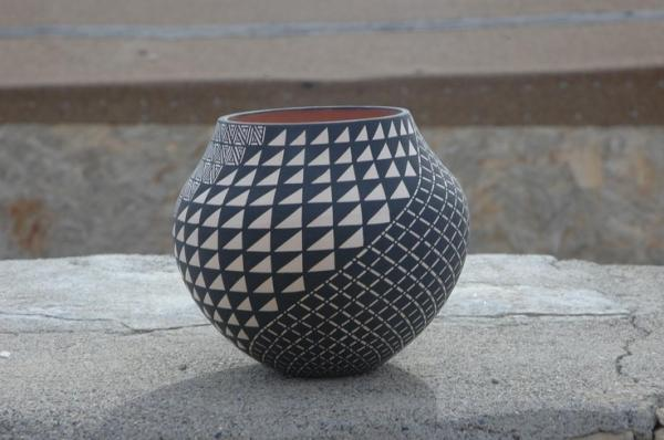 Creative vase 3 - in black and white triangles