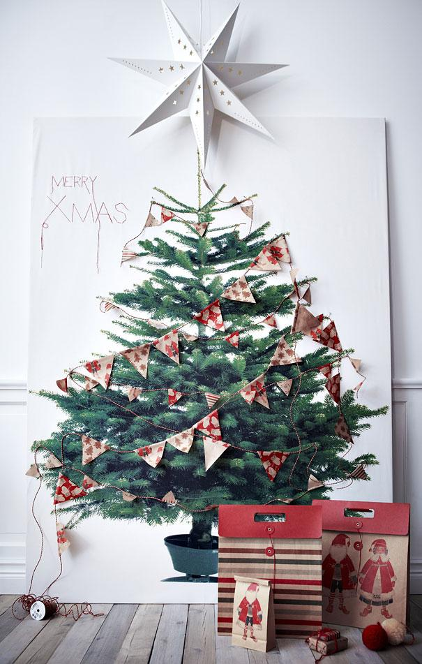 DIY Christmas tree - made of a drawing and decorations