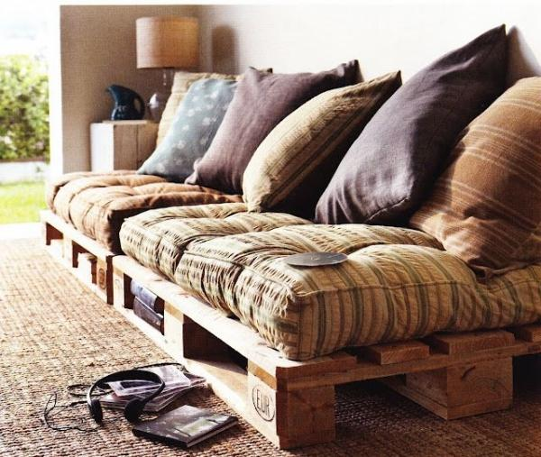 DIY Room Decor 18 - pallet couch