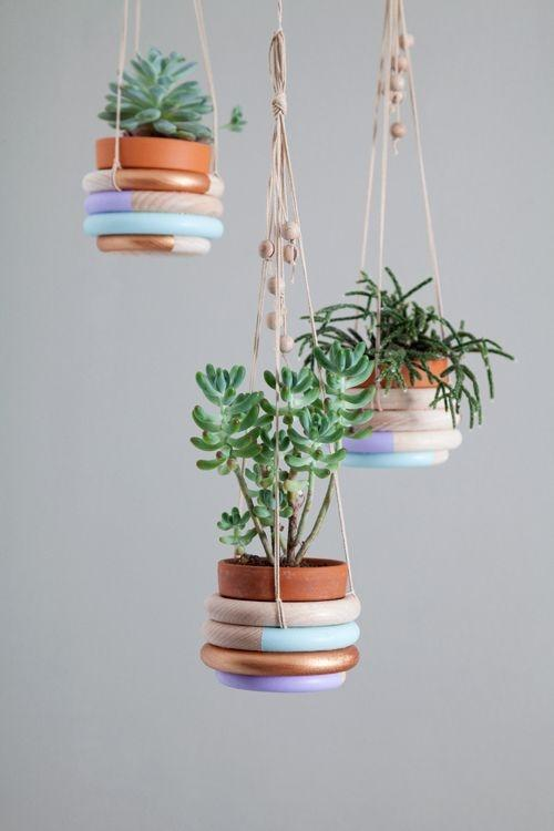 Diy room decor ideas and examples founterior for Decorative hanging pots